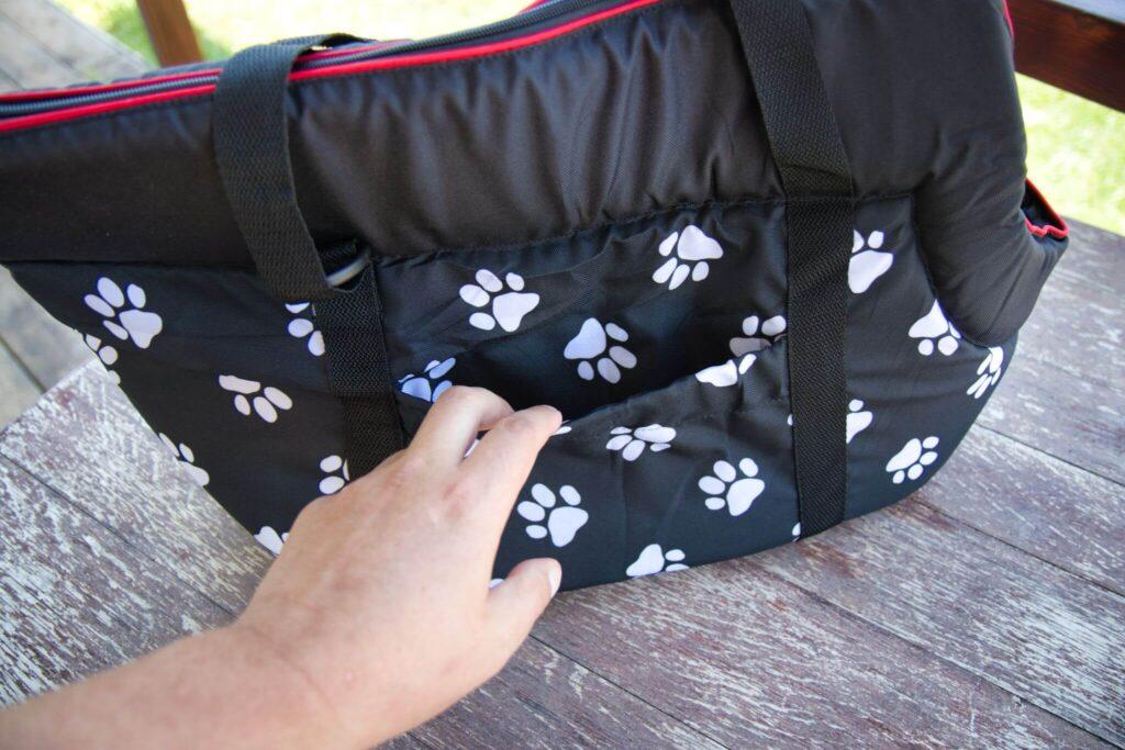 Ein Verschluss an den Seitentaschen der Hobbydog-Hundetasche wäre ideal.