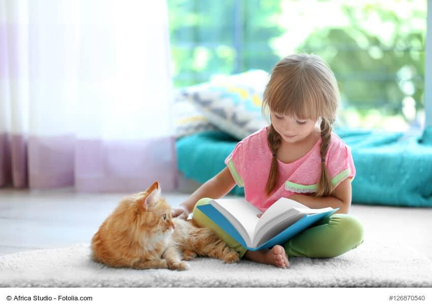 Katzen, Kinder und Entspannung