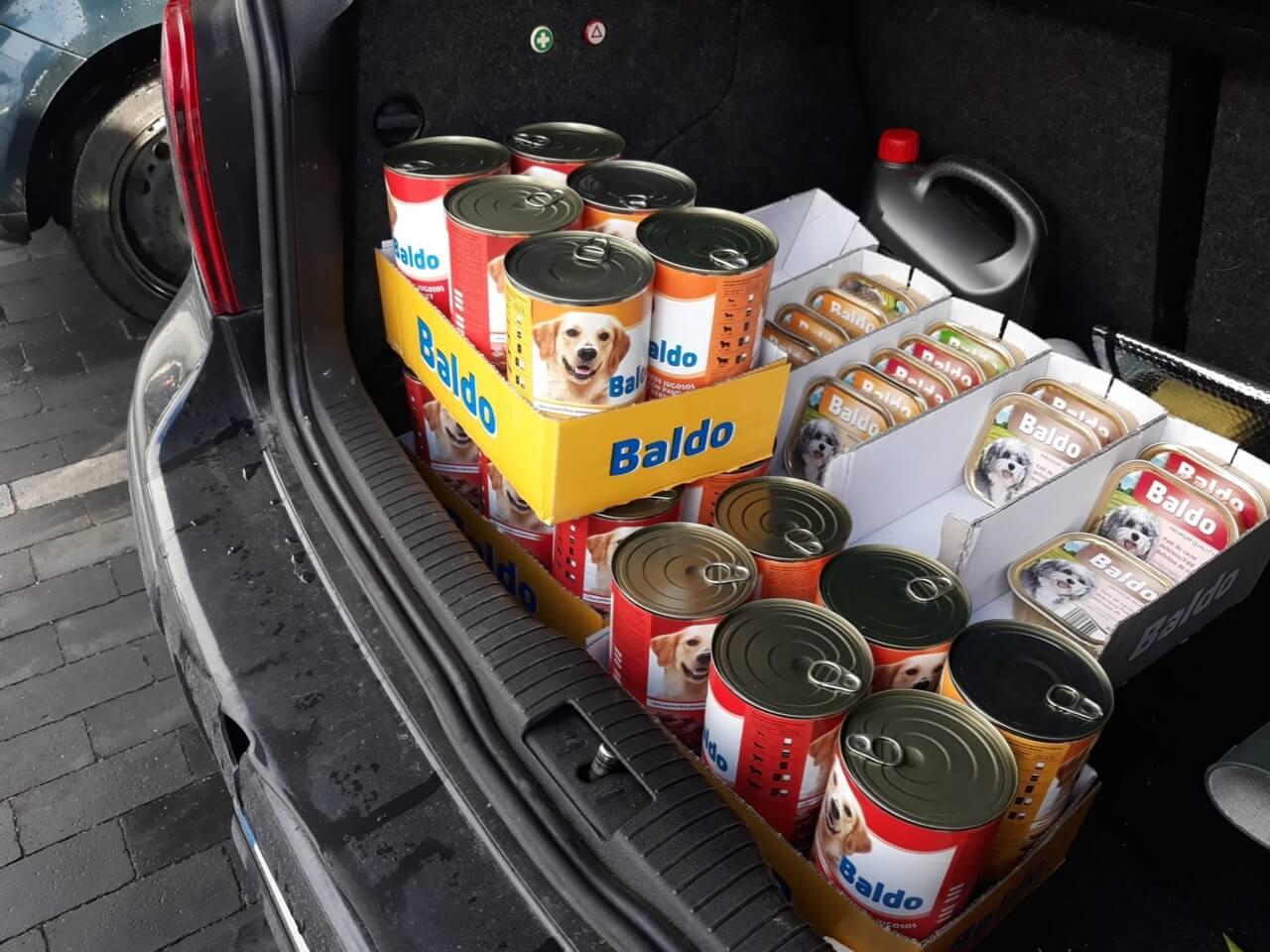 Futterspenden für ein Tierheim